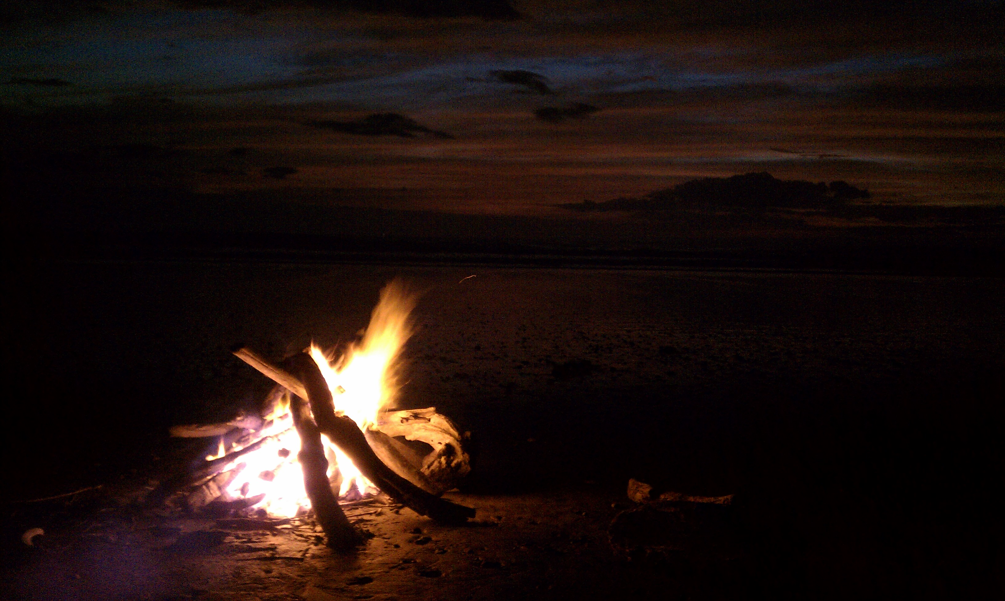 how to start a fire at the beach